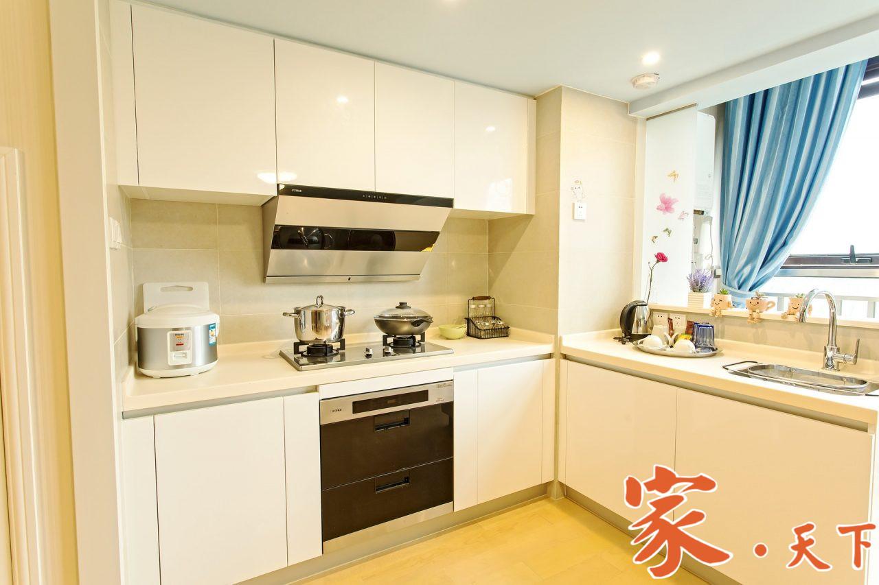 纽约福和装修公司,长期服务于纽约华人社区,主要承接:室内设计、厨房浴室、水泥车道、土木水电、批灰油漆、门窗地板等装修工程。
