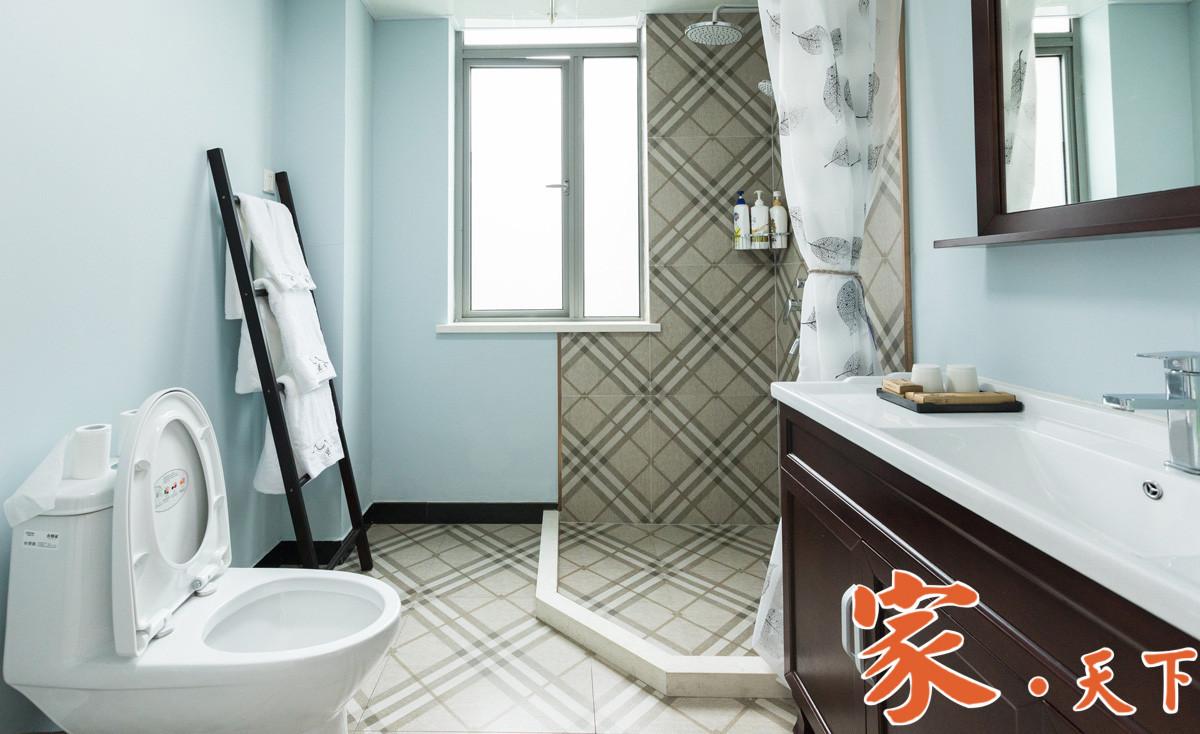 浅蓝色浴室,房屋价值可能比竞争对手高出近5,000美元!房屋颜色 竞争对手 购房者 房屋报价 客厅卧室厨房调查研究