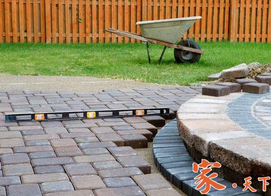 钟师傅是纽约地区的专业瓦工,服务项目包括:铺设庭院地砖、车道地砖、步道地砖、水泥地砖、庭院铺砖、泥工瓦工等装修工程。
