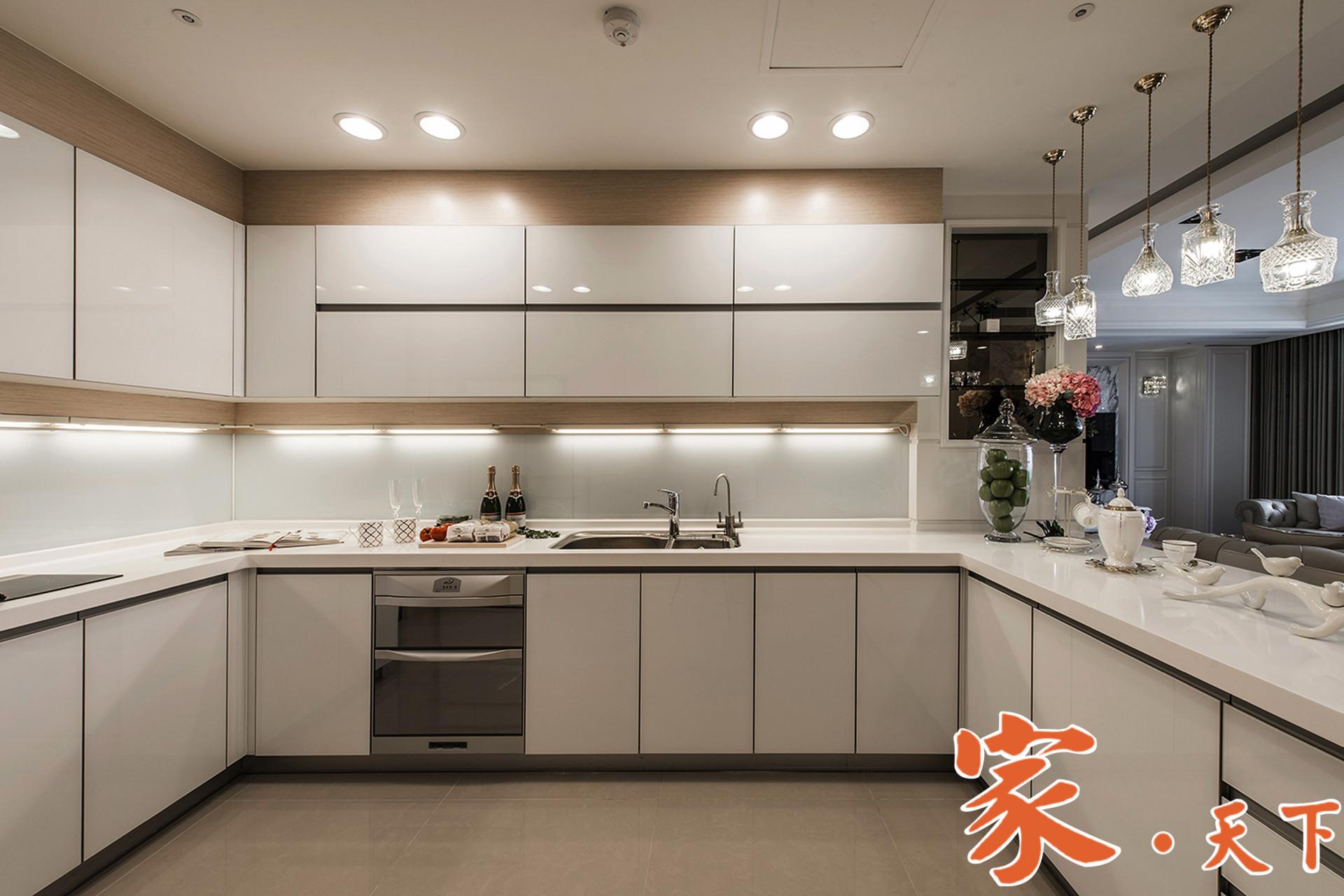 纽约暖心装修公司,专业施工团队,业务包括:房屋加建改建、室内翻新、地板磁砖、厨房卫浴、油漆隔间、精细瓦木工、土库翻新等装修工程。