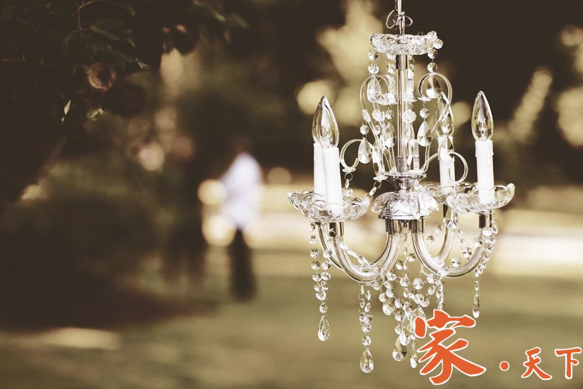 照明灯具是居室中,必不可缺少的装饰饰品。家居 居室照明 吊灯种类 吊灯安装 居室风格 居室装修